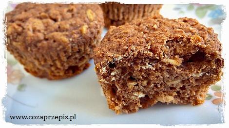 Muffinki razowe z otrębami