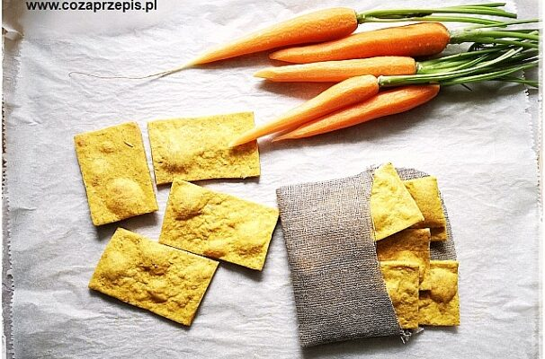 Chrupki chlebek marchewkowy